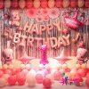 Mẫu trang trí bóng sinh nhật cho bé chó hồng