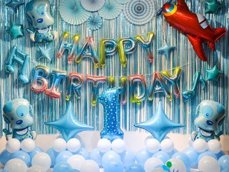 Mẫu trang trí bóng sinh nhật cho bé chó xanh