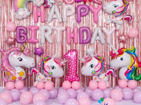 Mẫu trang trí bóng sinh nhật cho bé heo ngựa hồng