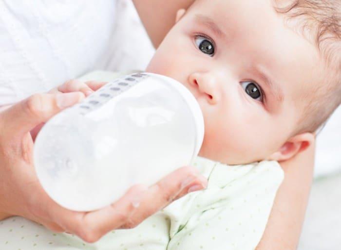 sữa tốt nhất cho bé từ 0-6 tháng tuổi