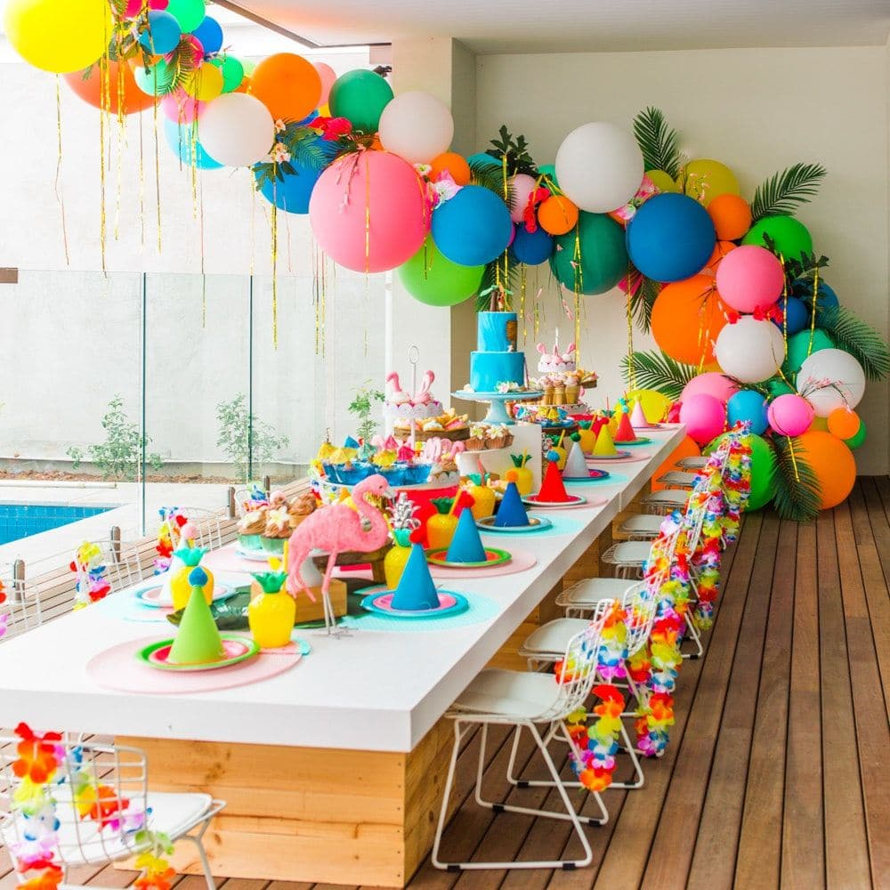 Buổi tiệc sinh nhật nhiều màu sắc