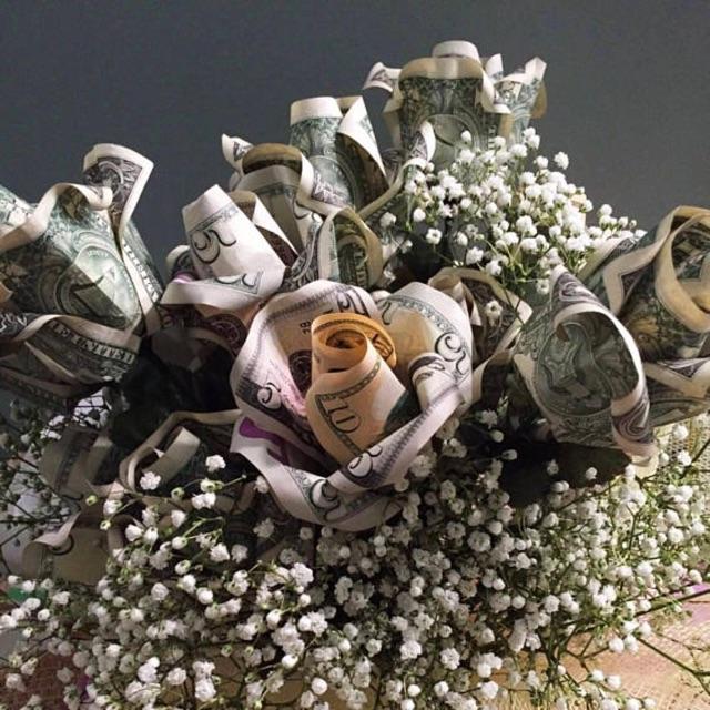 Happyparty là địa điểm chuyên cung cấp hoa tặng sinh nhật bằng tiền