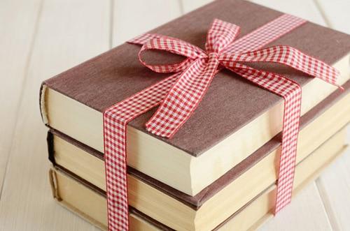 Quà tặng là những cuốn sách hay