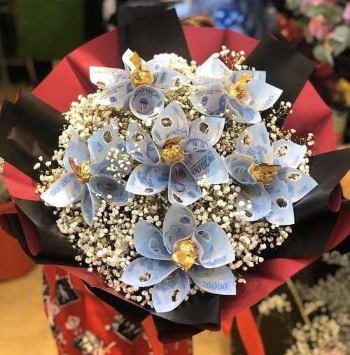 Những mẫu hoa sinh nhật bằng tiền độc đáo, cực ấn tượng