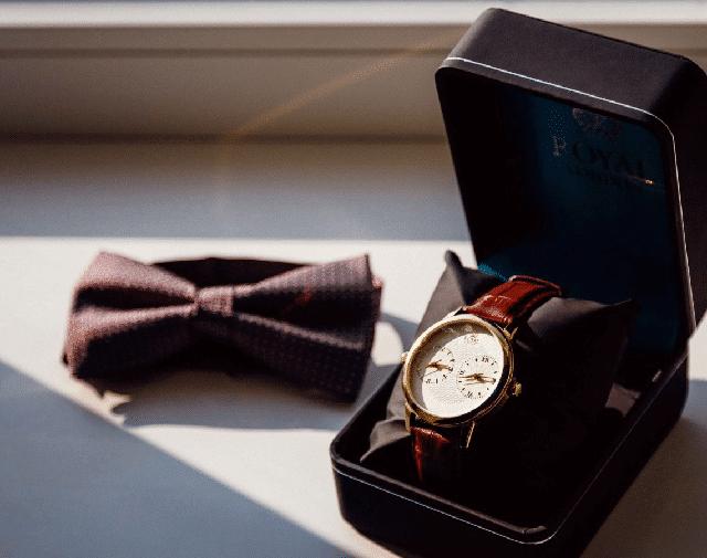 Quà tặng là một chiếc đồng hồ