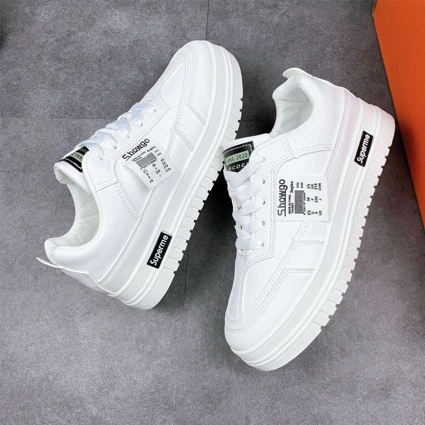 Một đôi sneaker là món quà tuyệt vời