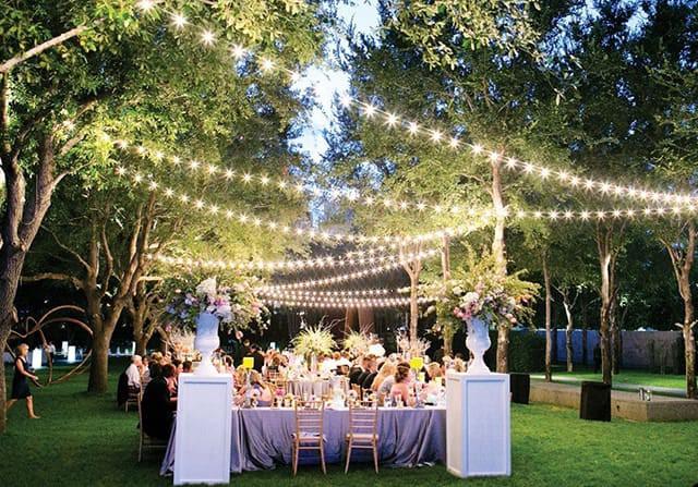 Tổ chức tiệc đám cưới ngoài trời theo phong cách Châu Âu