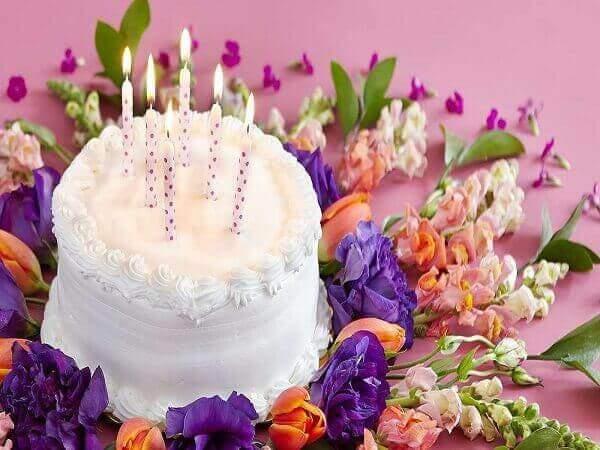 Ý nghĩa hoa và bánh tặng sinh nhật