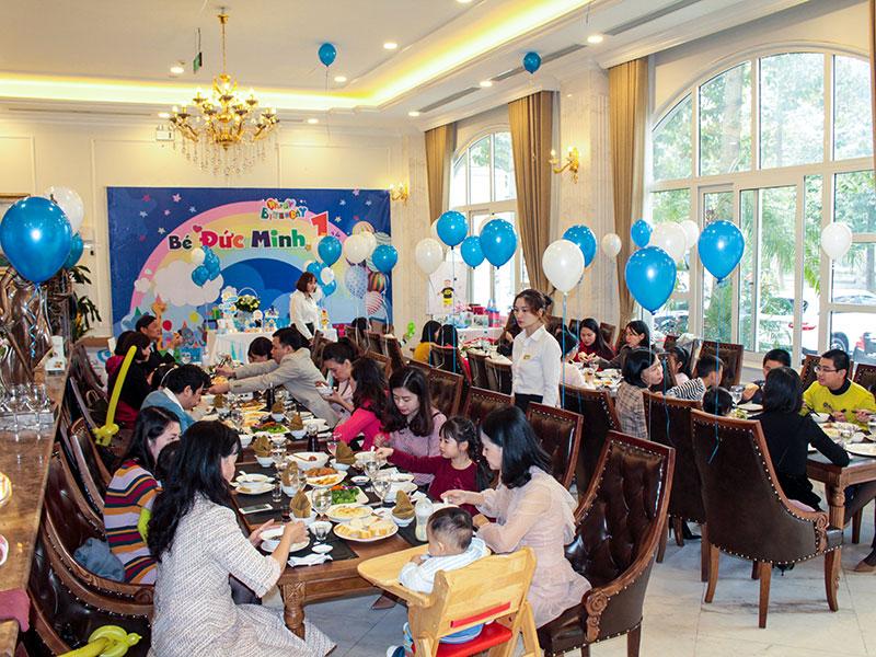 Tiệc sinh nhật giúp gắn kết mọi thành viên trong gia đình