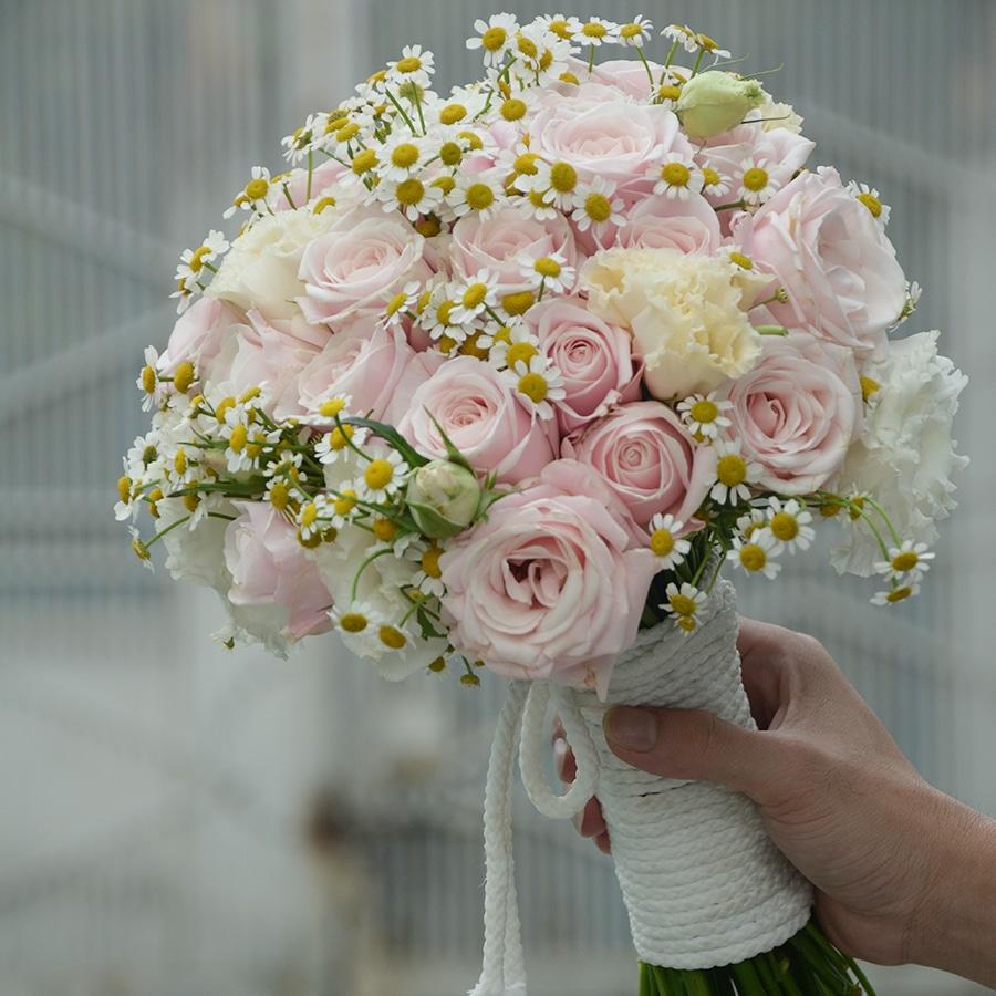 Mãi bên nhau với mẫu hoa hồng dâu