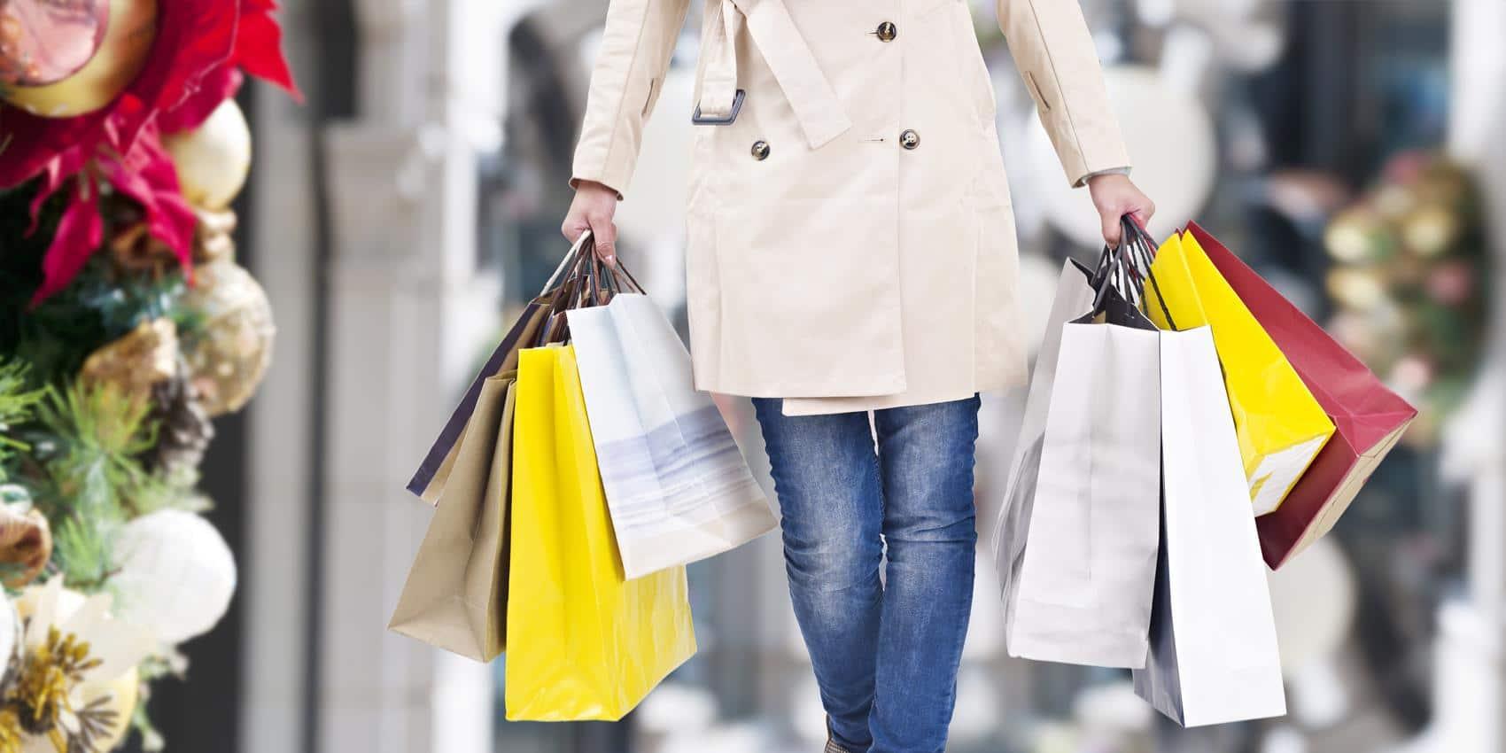 Dẫn con bạn đi mua sắm và ăn uống