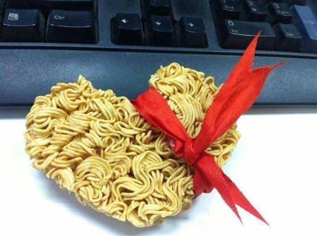 Mì gói tặng bạn thân vào dịp sinh nhật