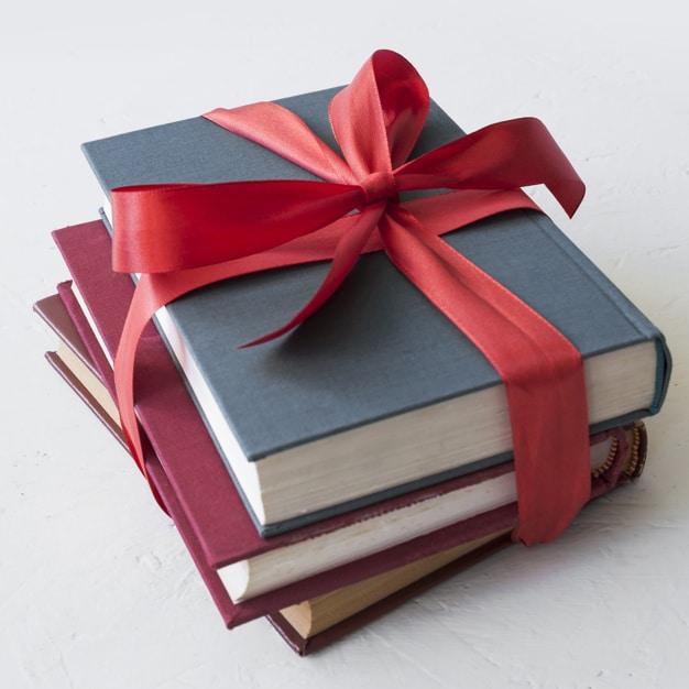 Tặng sách là món quà mang lại rất nhiều kiến thức cho con bạn