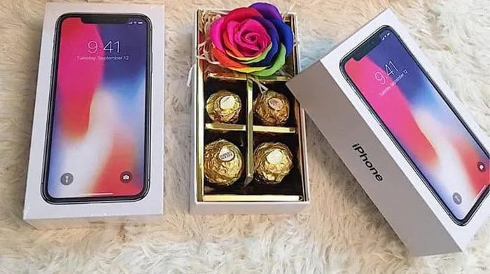 Tặng vỏ hộp iphone