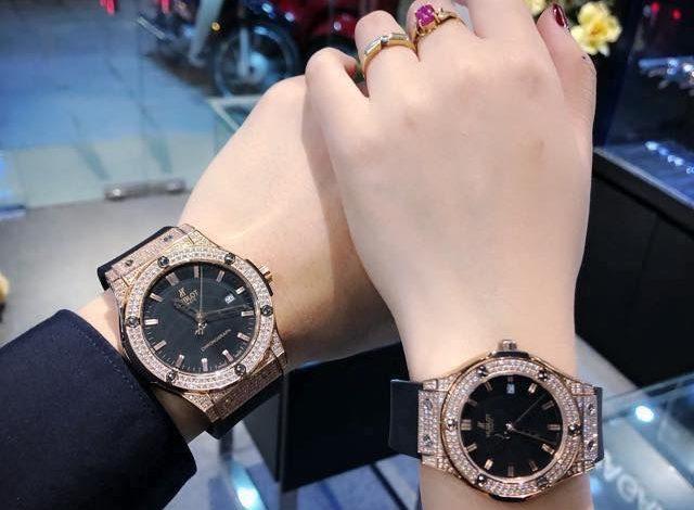 Đồng hồ đôi là món quà tặng sinh nhât bạn gái rất ý nghĩa