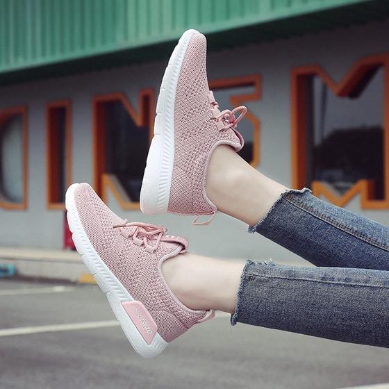 Tặng giày thể thao