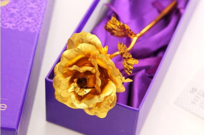 Hoa hồng dát vàng