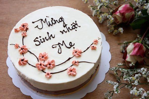 Bánh sinh nhật do chính tay bạn làm tặng mẹ chồng