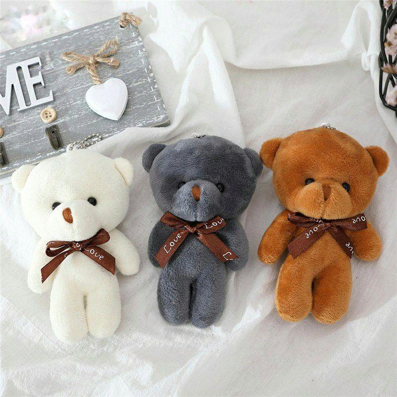 Tất nhiên cô gái của chúng ta luôn thích thú với gấu bông rồi
