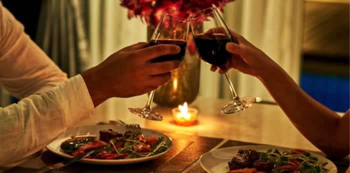 Một bữa ăn lãng mạn với bạn trai là điều tuyệt với nhất